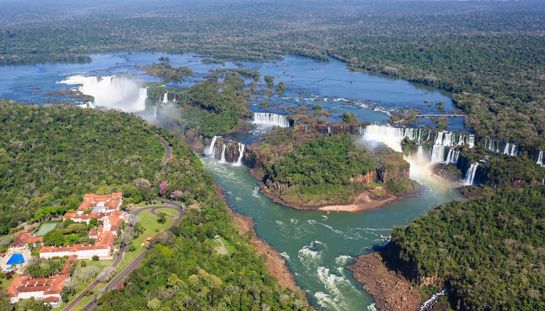 伊瓜苏 Cataratas del Iguazú国际机场的租车