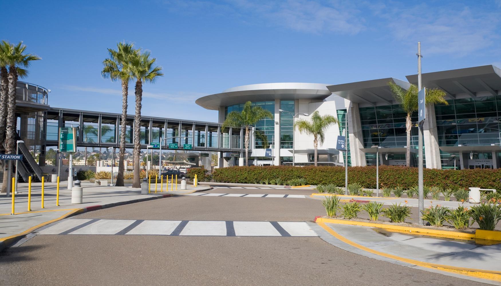 圣地亚哥国际机场的租车