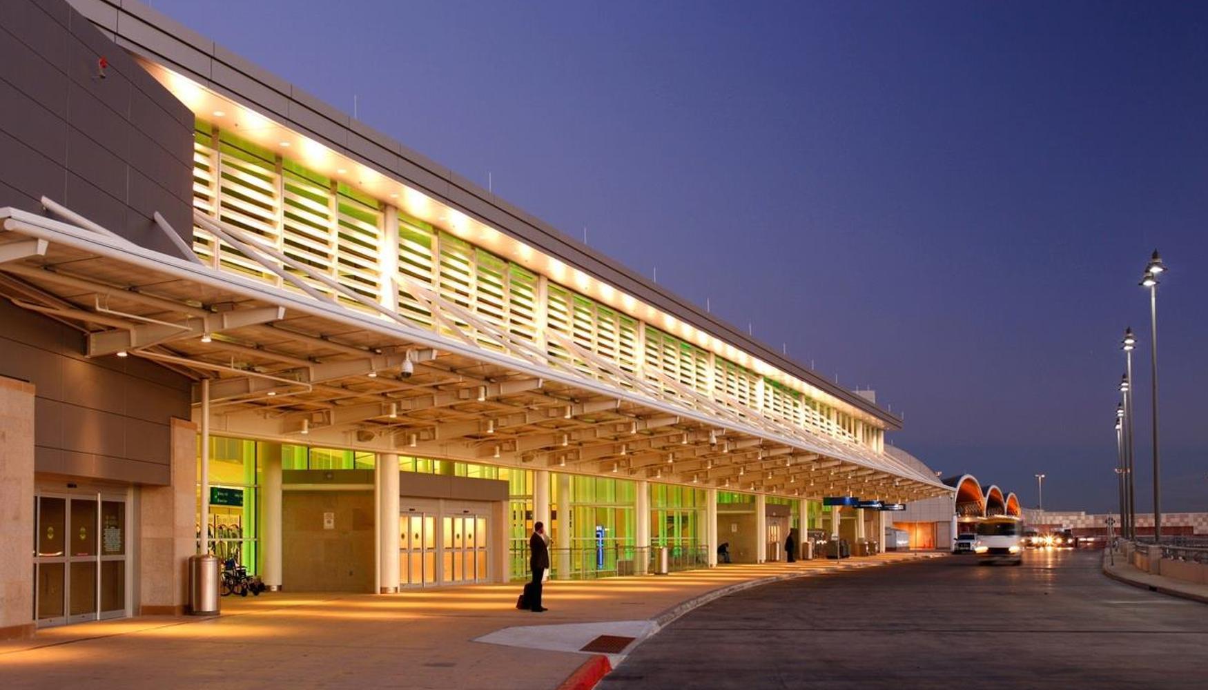 圣安东尼奥国际机场的租车
