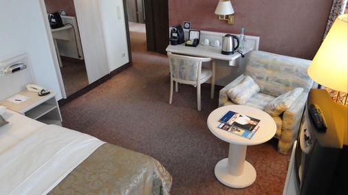 吕德斯海姆特劳贝酒店 - 吕德斯海姆 - 客厅