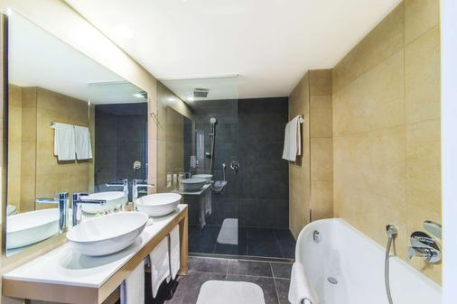 布拉迪斯拉发一号门nh酒店 - 布拉迪斯拉发 - 浴室