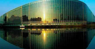 欧洲特拉斯堡蓬徳F1酒店 - 斯特拉斯堡 - 建筑