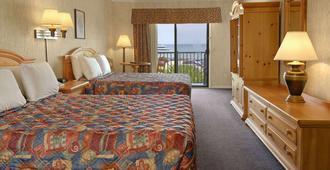莱克维尤戴斯酒店 - 麦基诺城 - 睡房