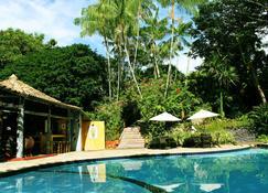 维朗葛林生态旅馆 - 因巴塞 - 游泳池