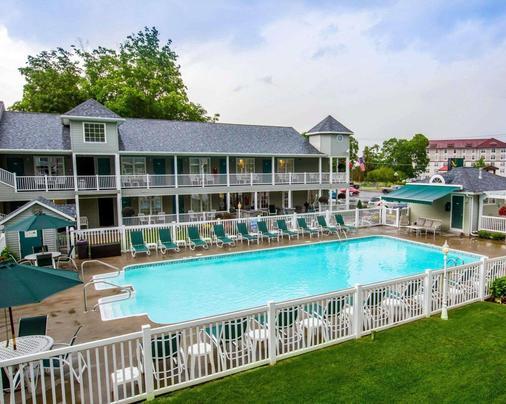 乔治湖品质酒店 - 乔治湖 - 游泳池