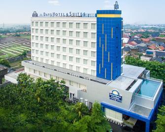 雅加达机场时日酒店套房 - 当格浪 - 建筑