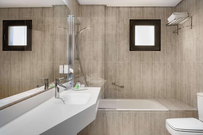 Nh希达德昆卡城酒店 - 昆卡 - 浴室