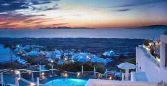 菲尼克亚帕里斯酒店 - 伊亚 - 游泳池