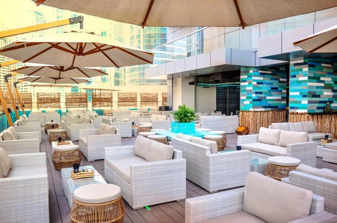 迪拜温德姆特瑞普酒店 - 迪拜 - 酒吧