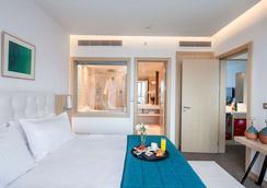 安卡拉华美达酒店 - 安卡拉 - 睡房