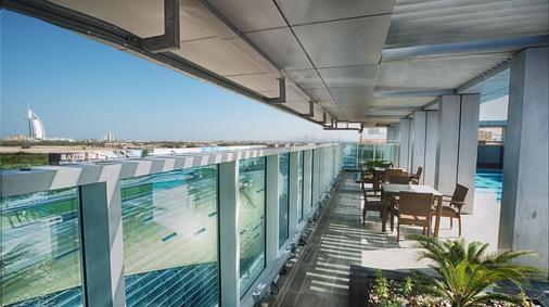 阿尔巴沙玫瑰公园酒店 - 迪拜 - 阳台