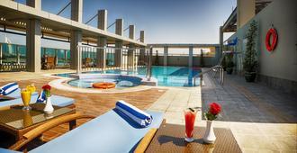 阿尔巴沙玫瑰公园酒店 - 迪拜 - 游泳池