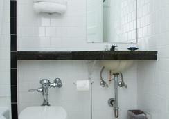 哈灵顿酒店 - 华盛顿 - 浴室