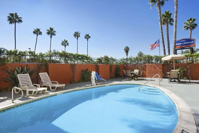 圣地亚哥海洋世界豪生酒店 - 圣地亚哥 - 游泳池