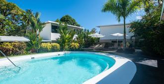贝拉酒吧酒店 - 曼努埃尔安东尼奥 - 游泳池