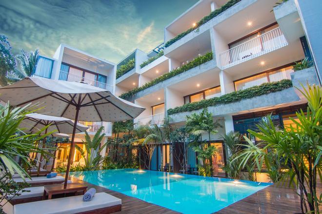 仙女公寓式酒店 - 暹粒 - 游泳池