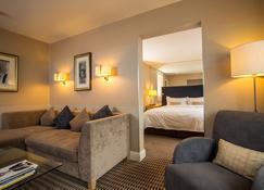 经典英国泽西俱乐部酒店&spa - 圣赫利尔 - 睡房