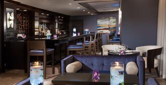 码头别墅Spa度假酒店 - 基韦斯特 - 酒吧
