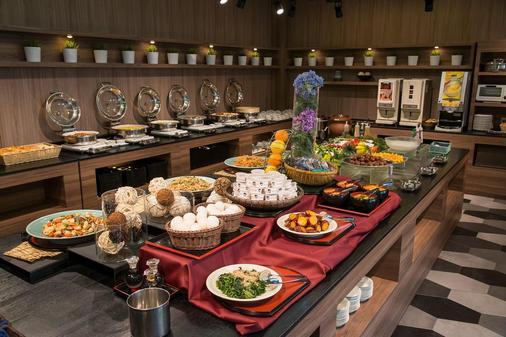 成田赫迪斯达酒店 - 成田市 - 自助餐