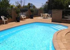 全季汽车旅馆 - 达博 - 游泳池
