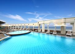 济州华美达广场大酒店 - 济州 - 游泳池