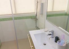 秝芯旅店 - 高雄市 - 浴室