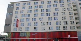 巴黎罗莎帕克斯公寓式酒店 - 巴黎 - 建筑