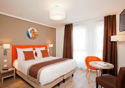 巴黎罗莎帕克斯公寓旅馆 - 巴黎 - 睡房