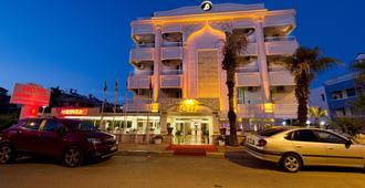 绿色比扎酒店 - 安塔利亚