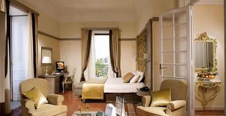 欧罗巴宫殿大酒店 - 索伦托 - 睡房