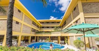 普拉亚啤扎图酒店 - 纳塔尔 - 游泳池