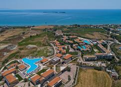 阿波罗尼翁海星度假村及水疗中心 - 利克苏里 - 户外景观