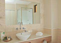 曼特拉传统酒店 - 道格拉斯港 - 浴室