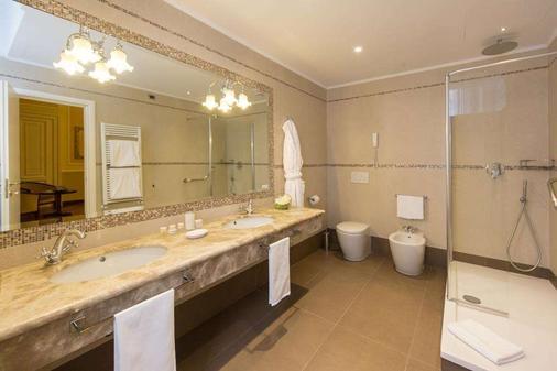 布里斯托宫殿酒店 - 热那亚 - 浴室
