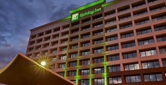 亚历山德里亚西南艾森豪威尔大道假日酒店 - 亚历山德里亚 - 建筑