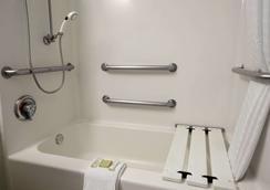 南帕诸岛速8酒店 - 南帕诸岛 - 浴室