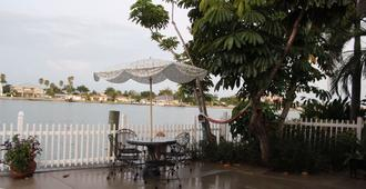 罗蕾莱度假汽车旅馆 - 金银岛 - 露台