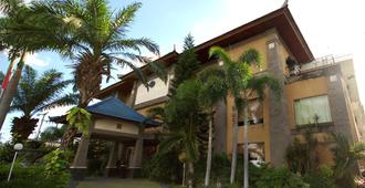 尼琪酒店 - 登巴萨 - 建筑