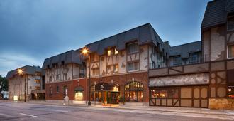 诺曼底贝斯特韦斯特优质套房酒店 - 明尼阿波利斯 - 建筑