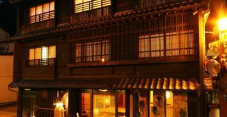但马屋酒店 - 丰冈市
