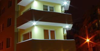 帕里特拉家庭酒店 - 瓦尔纳 - 建筑