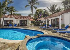海滨花园酒店 - 苏莎亚 - 游泳池