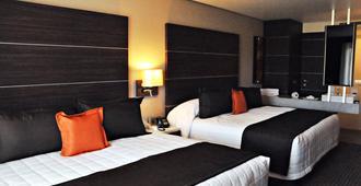 瑞尔阿拉米达日克雷塔罗酒店 - 克雷塔罗 - 睡房