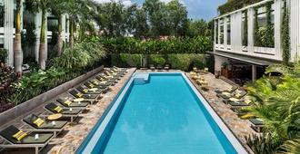 维沃夫酒店 - 暹粒 - 游泳池
