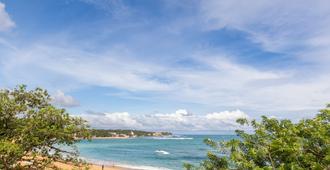 乌纳瓦图纳波浪住宿加早餐旅馆 - 安瓦图那 - 海滩