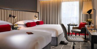 红牛莫兰酒店 - 都柏林 - 睡房