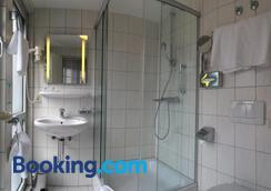 阿尔法高级酒店 - 卡尔斯鲁厄 - 浴室