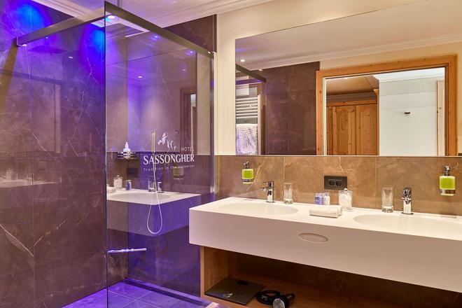 莎颂葛雷酒店 - 科瓦拉因巴迪亚 - 浴室