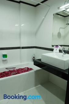 第一住所酒店 - 苏梅岛 - 浴室