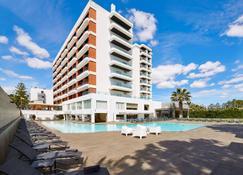 阿尔卡扎尔spa酒店 - 蒙蒂戈杜 - 游泳池